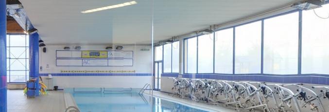 Promuovere la propria attività con la pubblicità nella piscina di Nichelino